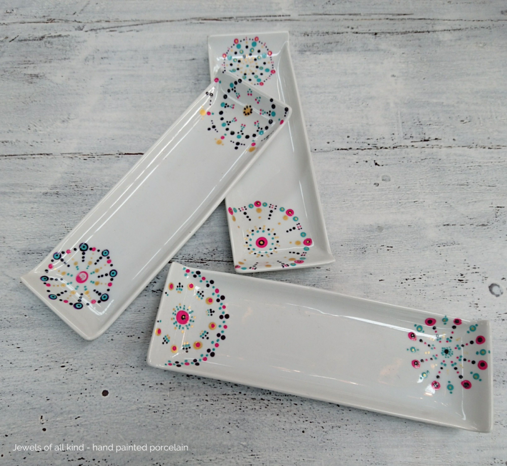 Delicate rectangle dishes | Jewels of all kind